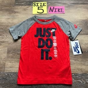 🛍40% OFF NWT Nike Boys Size 5 Tee